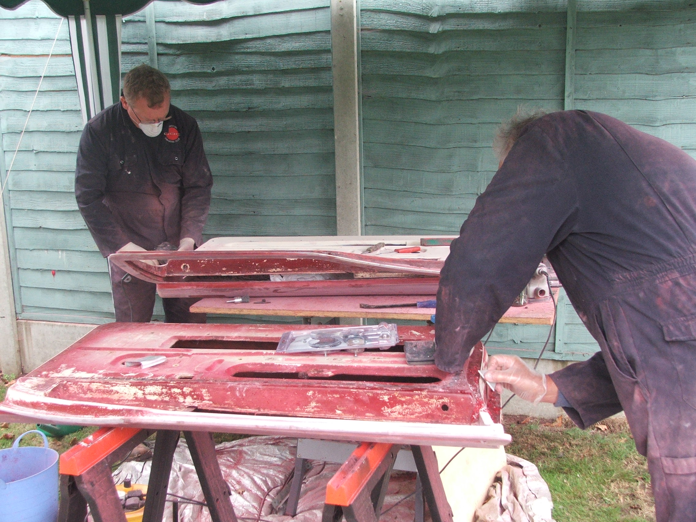 Andy Heaton and David Calderwood stripping doors from Quantum Coupé 003