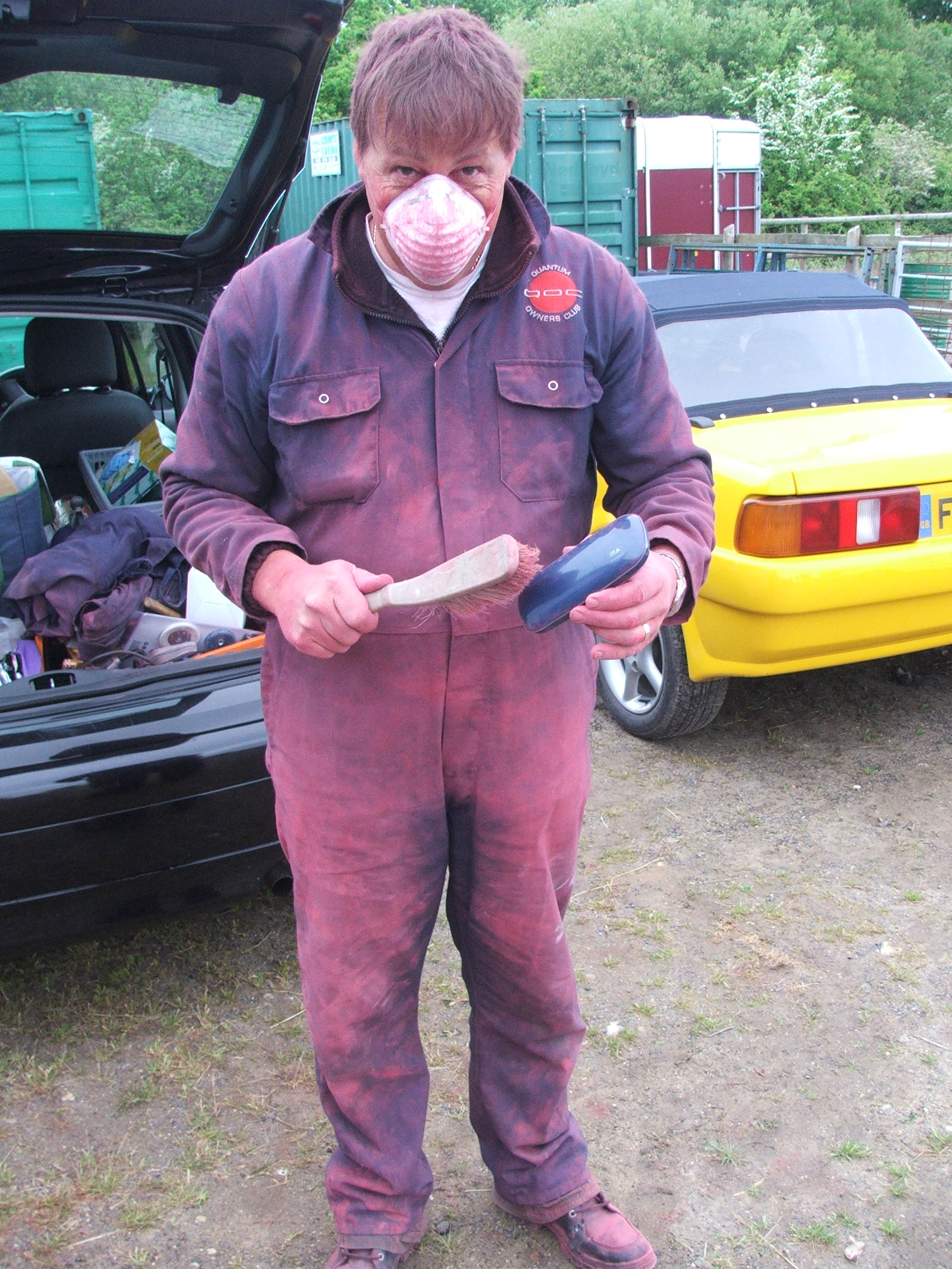 Geoff Ward shows how dusty it is sanding Quantum Coupé 003